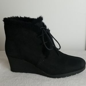 UGG SUEDE WEDGE ANKLE BOOTS SZ 8.5